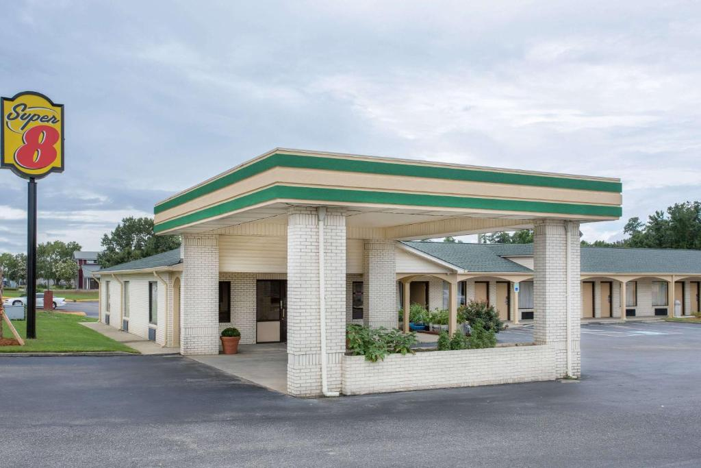 Motel Super 8 by Wyndham Sumter, SC - Booking com
