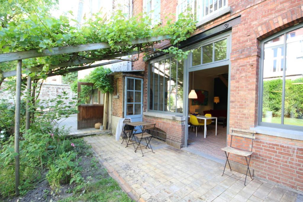 maison au fond du jardin smiths cottage photojpg smiths cottage la maison au fond du jardin. Black Bedroom Furniture Sets. Home Design Ideas