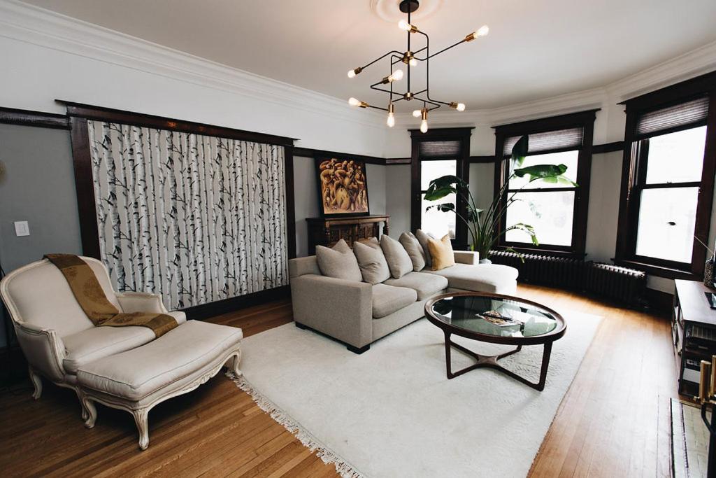 Apartment Grand Home On Palmerston Blvd Toronto Canada Booking Com