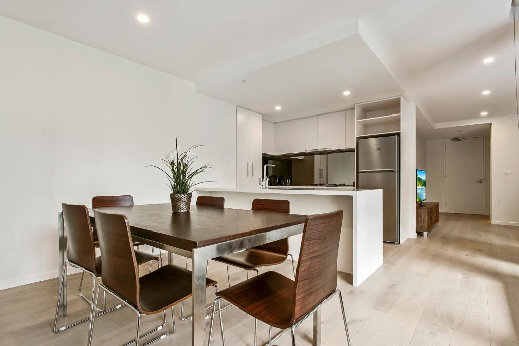 Serviced Apartments Melbourne - Teri, Melbourne - Updated ...