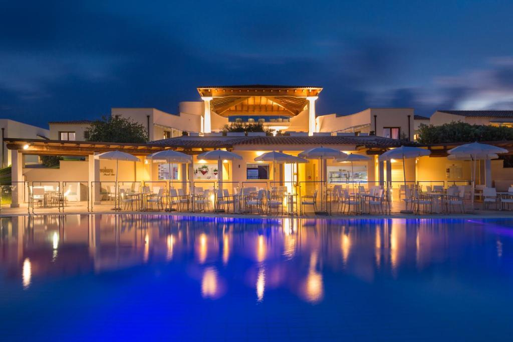 Resort Grande Baia Italien San Teodoro Booking Com