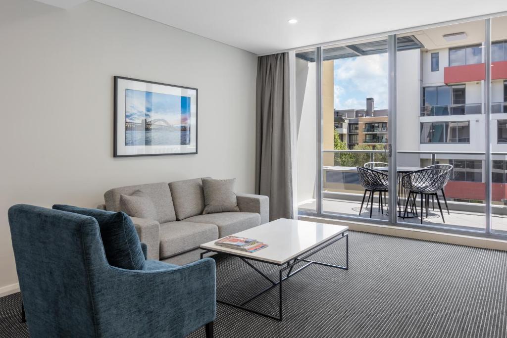 Condo Hotel Meriton Suites Waterloo, Sydney, Australia ...