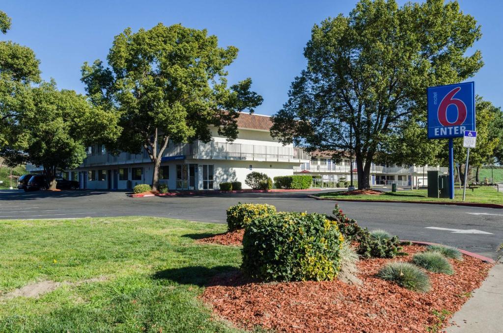 Motel 6 Turlock, CA - Booking.com