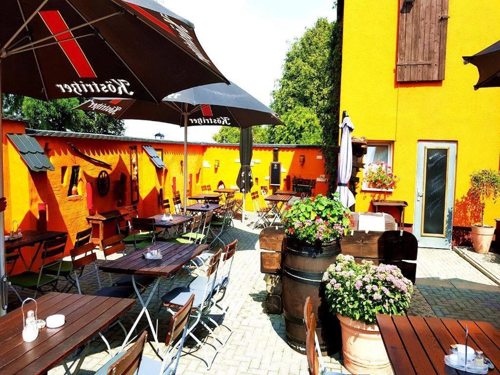 Pension Landgasthof Am Baumchen Deutschland Weissenfels Booking Com