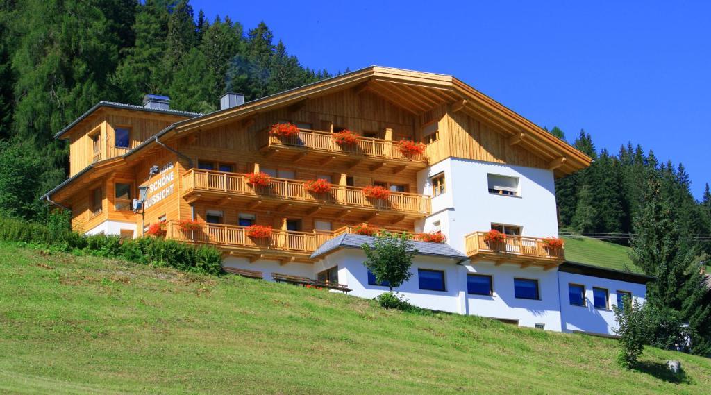 Hotel Schone Aussicht Kartitsch Austria Booking Com