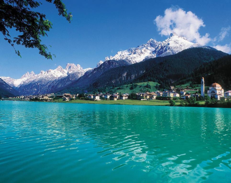 Residence al lago auronzo di cadore prezzi aggiornati for Immagini di laghetti