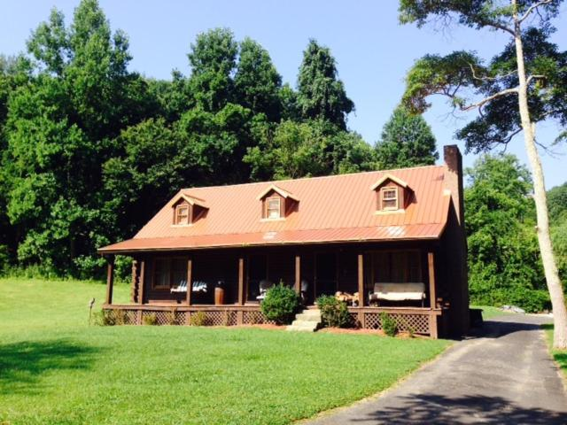 Hotel Log Cabin In The Field Huntington Wv Booking Com