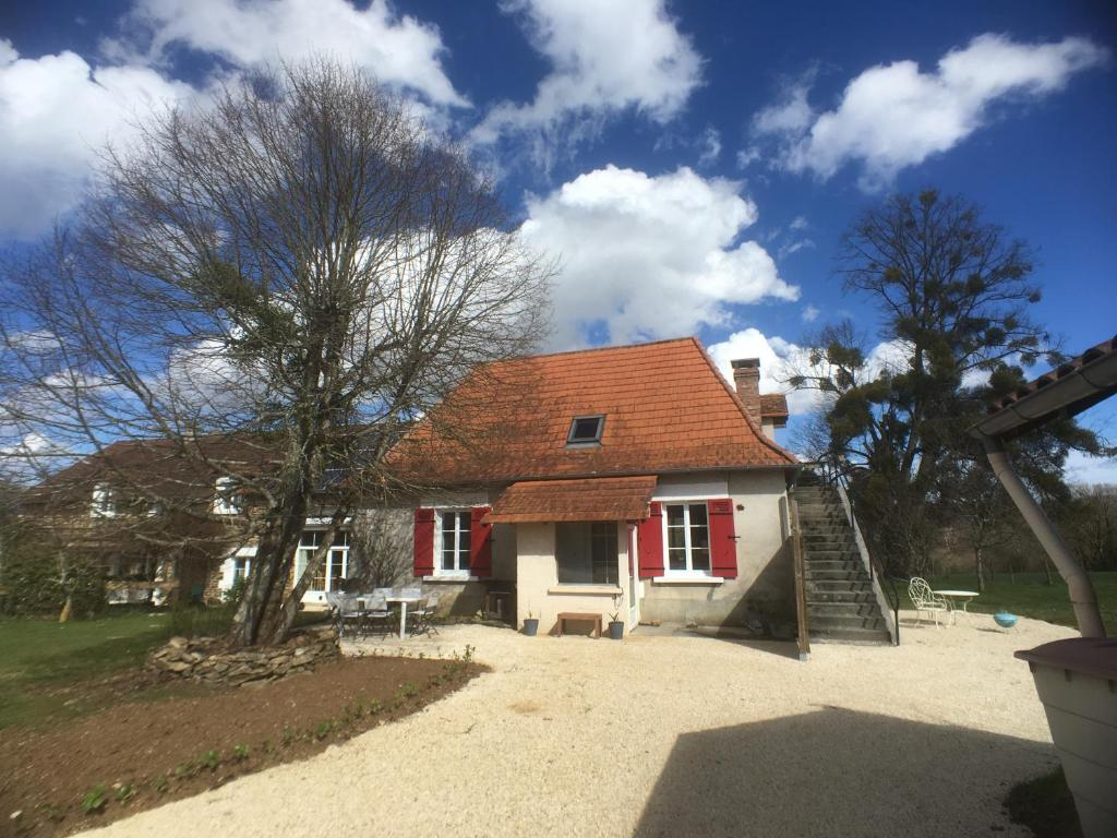 Apartments In Pensol Limousin