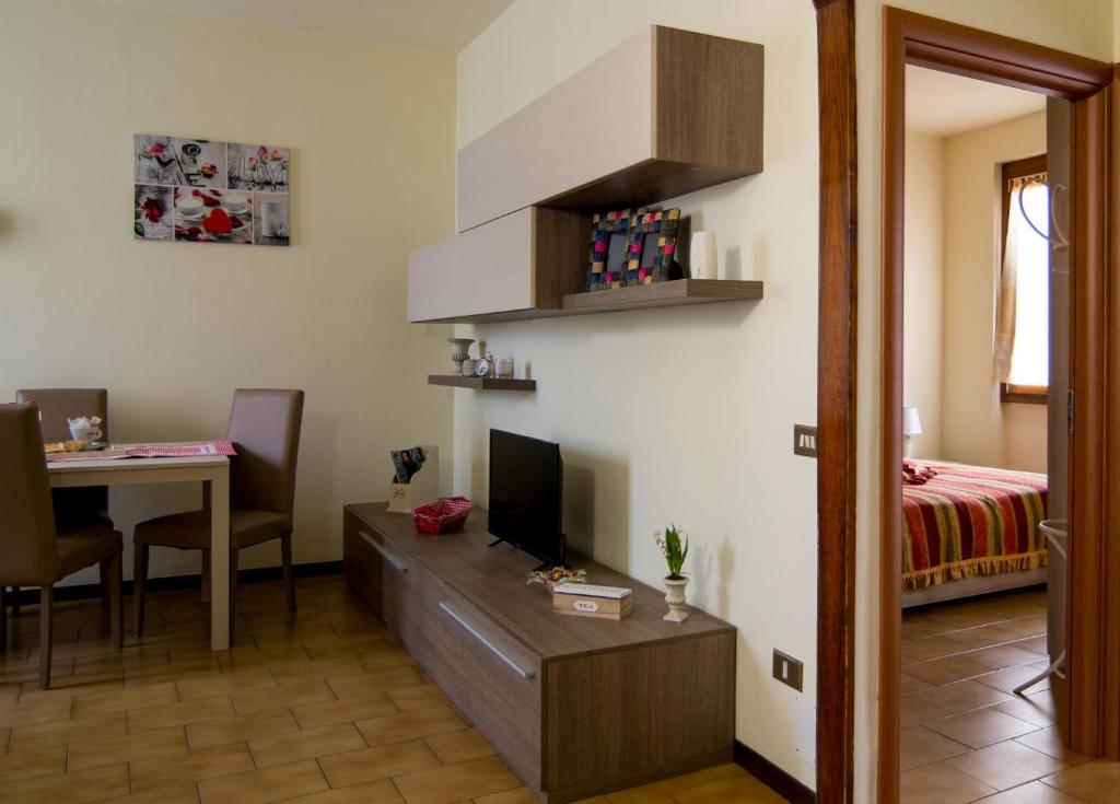 Apartment LOVERE Home, Lovere, Italy - Booking.com