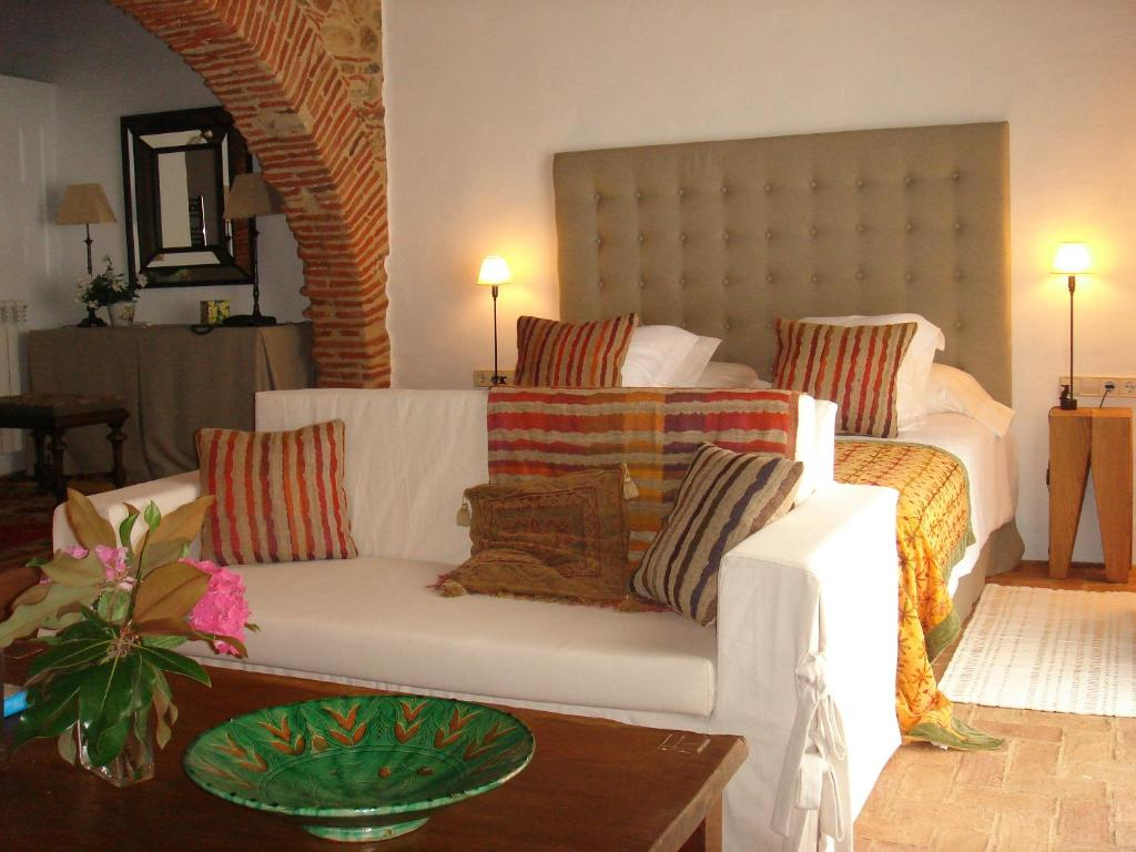 boutique hotels in peralada  13
