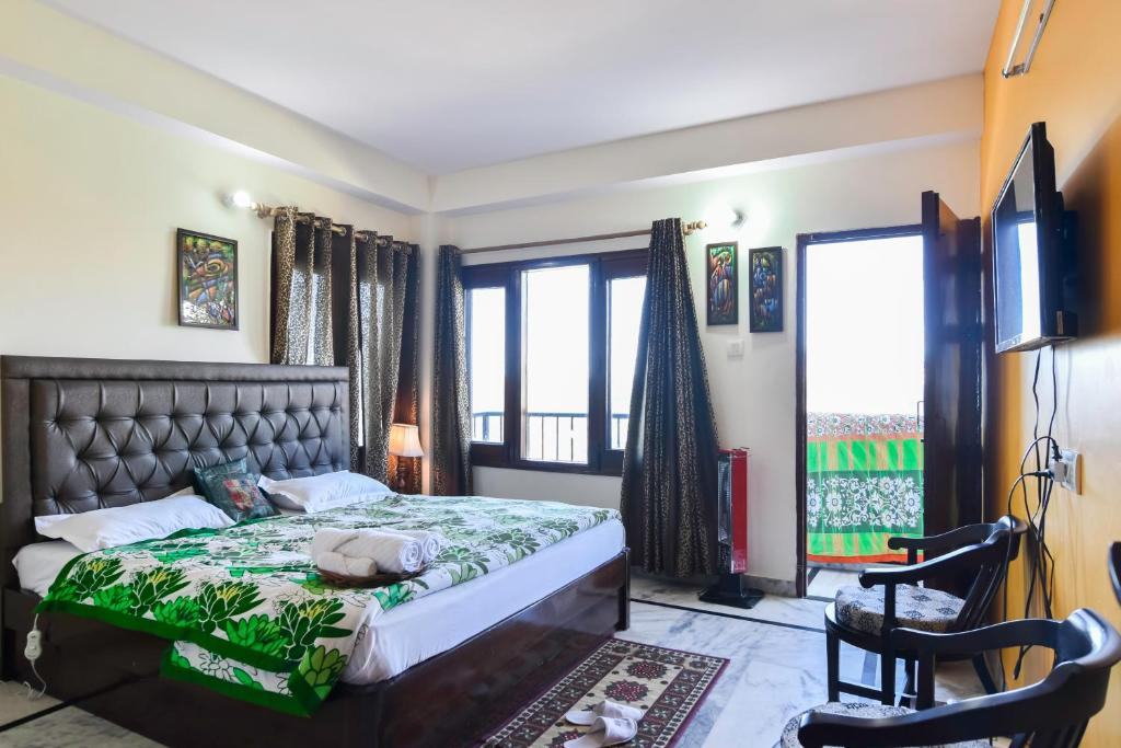 hotel myhome staycations shimla india booking com