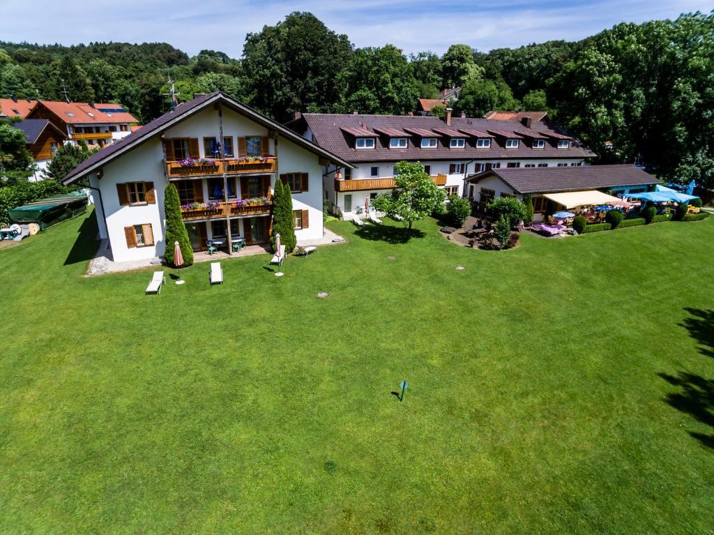 Landhotel Huber Am See Deutschland Oberambach Booking Com
