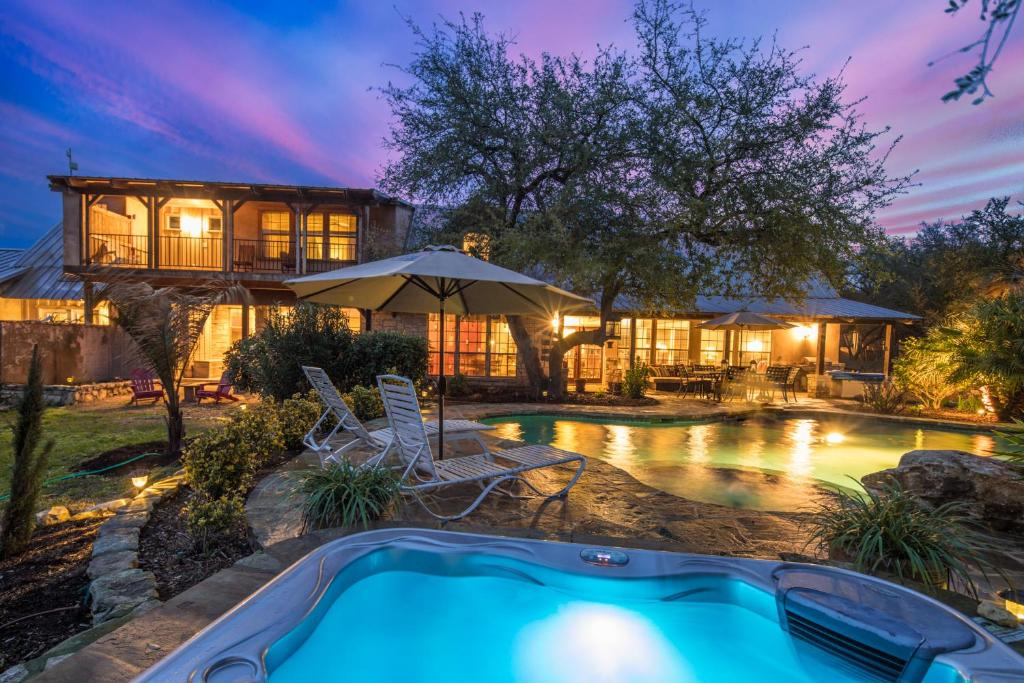 Vacation Home Rock N Wood Home Wimberley Tx Booking Com