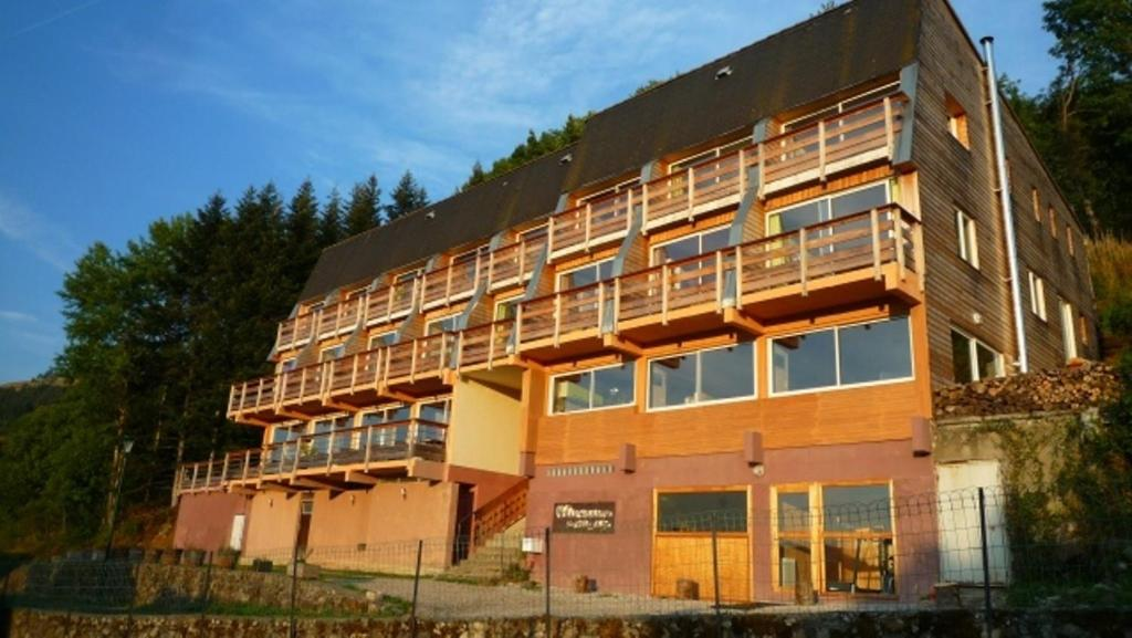 Apartments In Riom-ès-montagne Auvergne