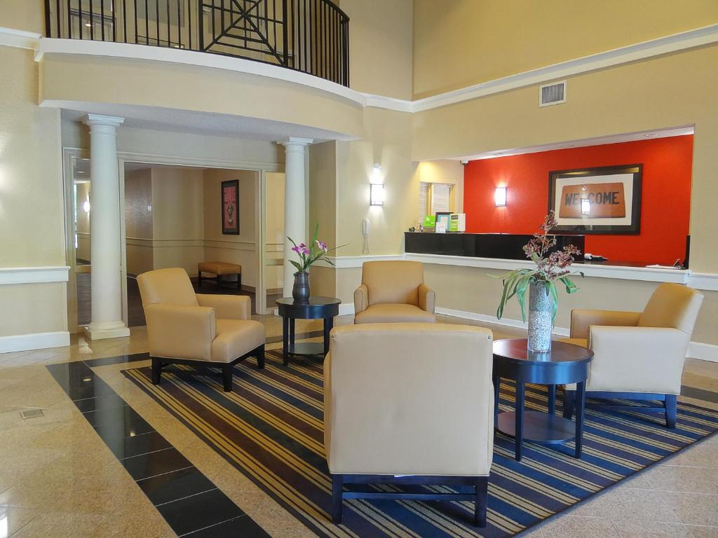hotel stayamerica ind airport indianapolis in booking com