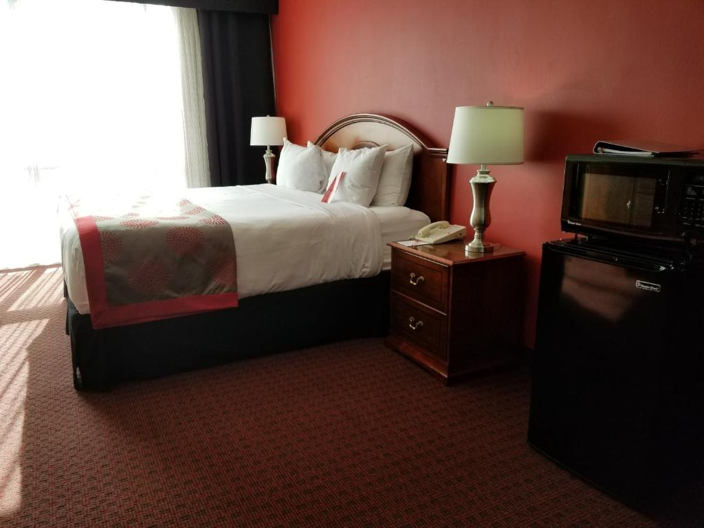 hotel ramada plaza fort wayne in booking com