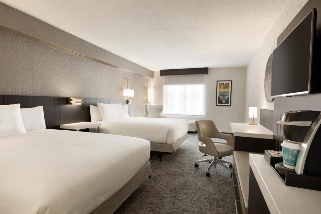 Hilton Garden Inn Washington DC Washington DC DC Booking Best 2 Bedroom Hotel Suites In Washington Dc