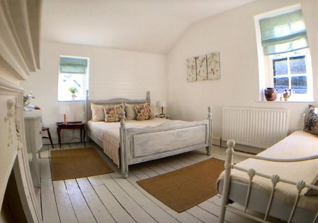 Apartments In Rhos-gôch Powys