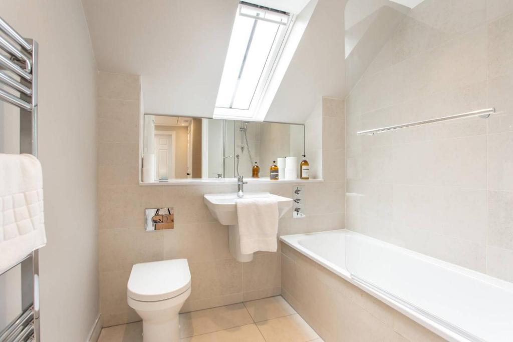 ee9be28cfa30 City Centre Apartment, Edinburgh – Updated 2019 Prices