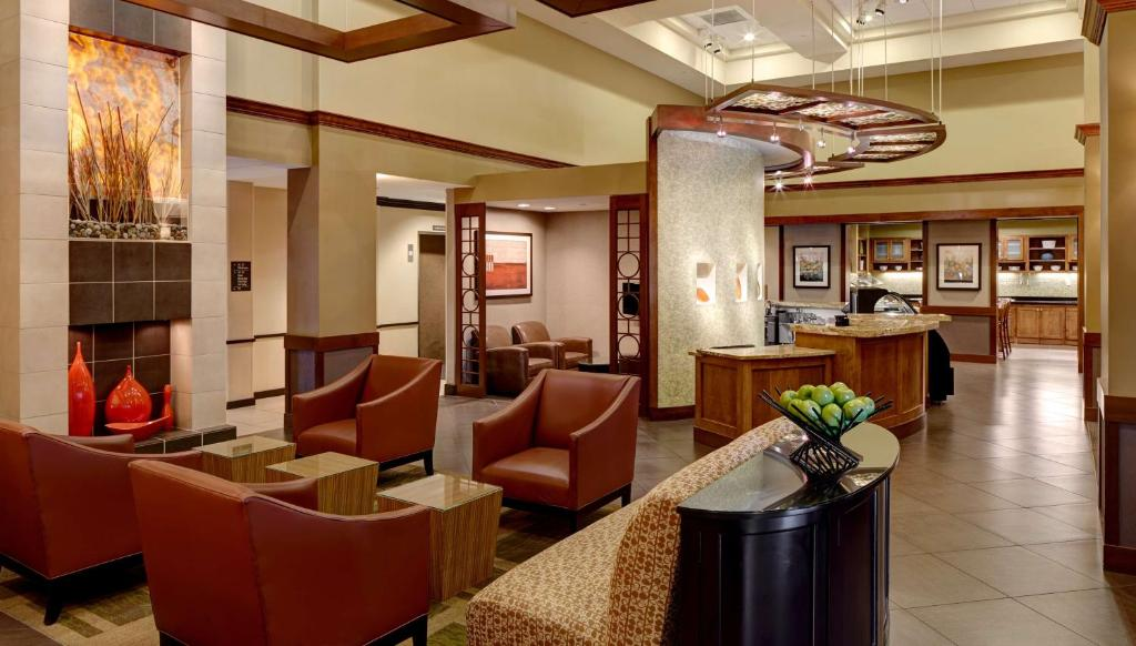 The lounge or bar area at Hyatt Place Salt Lake City Downtown / The Gateway