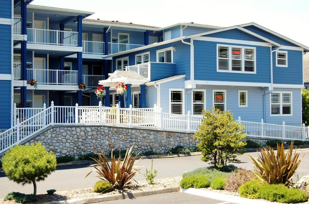 Landing Newport Condo Or Booking Com