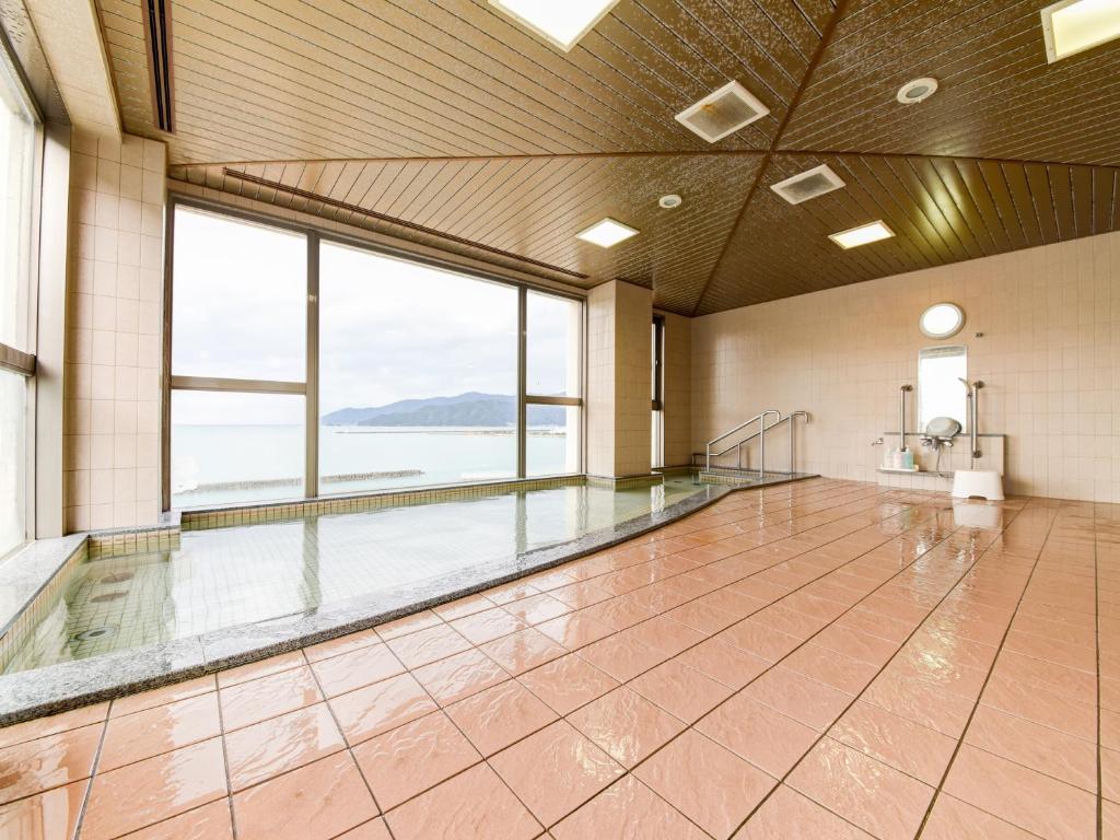 ポイント1.若狭小浜湾を一望!眺望が素晴らしい大浴場