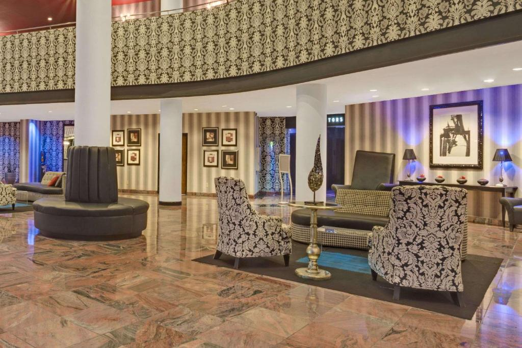Hotel Wyndham Garden Norfolk Downtown Va Booking Com