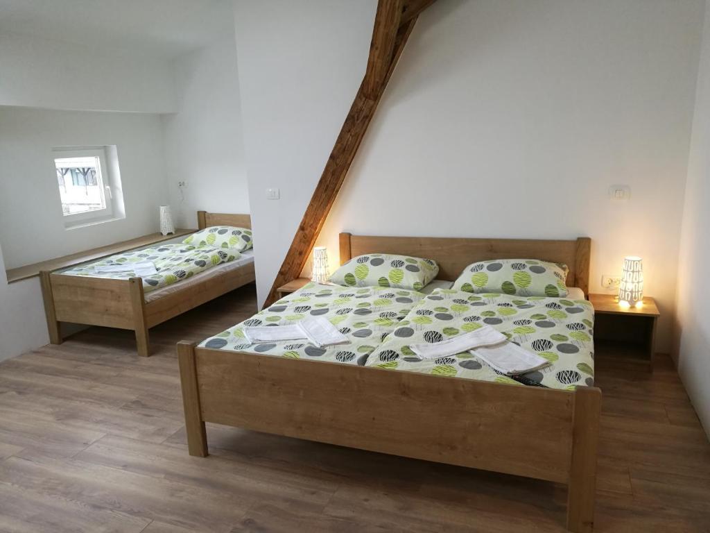 Letto o letti in una camera di Life Hostel Slovenia