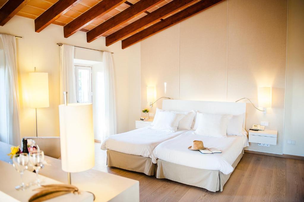 hoteles con encanto en vilafranca de bonany  14