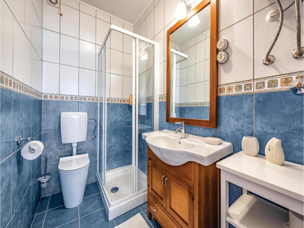 Three-Bedroom Holiday Home in Basanija, Bašanija, Croatia - Booking.com
