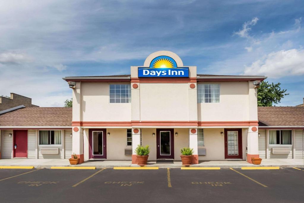 37228cdf3 Days Inn by Wyndham Plymouth, IN - Booking.com