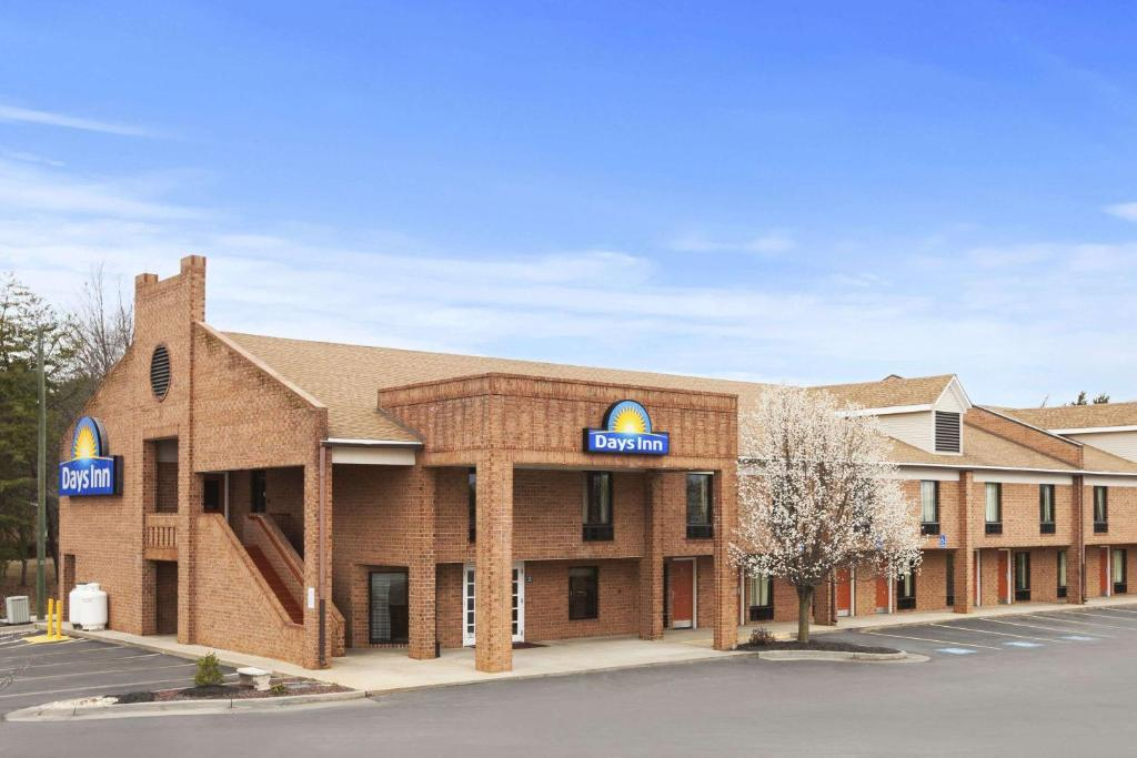 Days Inn Farmville, VA - Booking com
