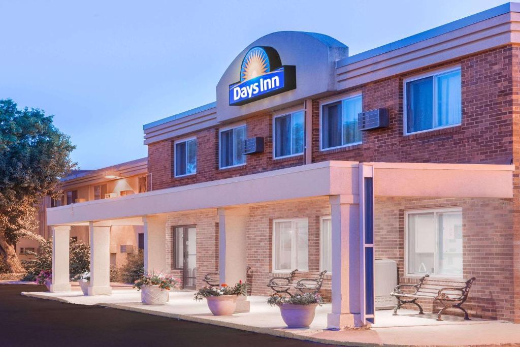 Days Inn By Wyndham Sioux Falls  Sd