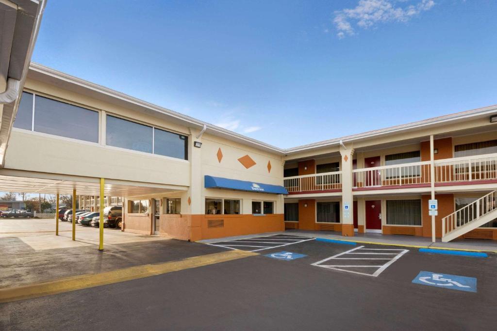 Days Inn Jacksonville Nc Nc Bookingcom