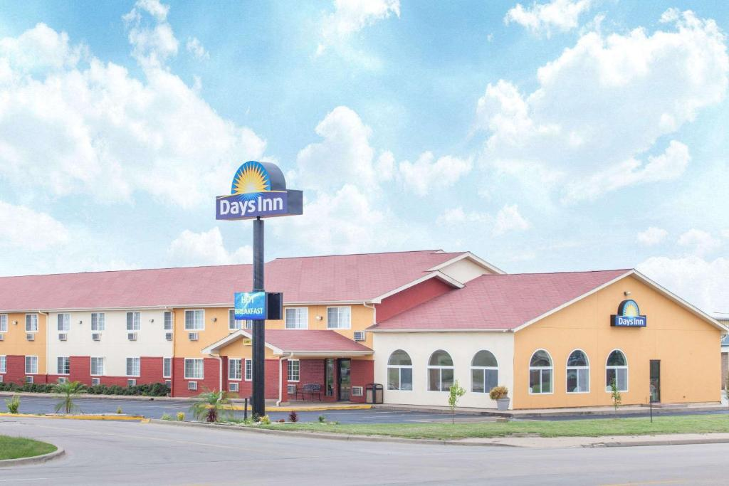 Days Inn By Wyndham Miami Reserve Now Gallery Image Of This Property