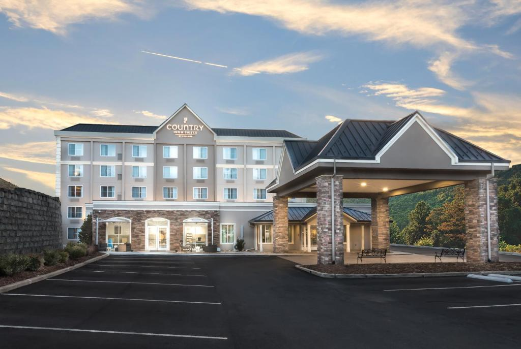 Country Inn & Suites by Radisson,, Asheville, NC - Booking.com on