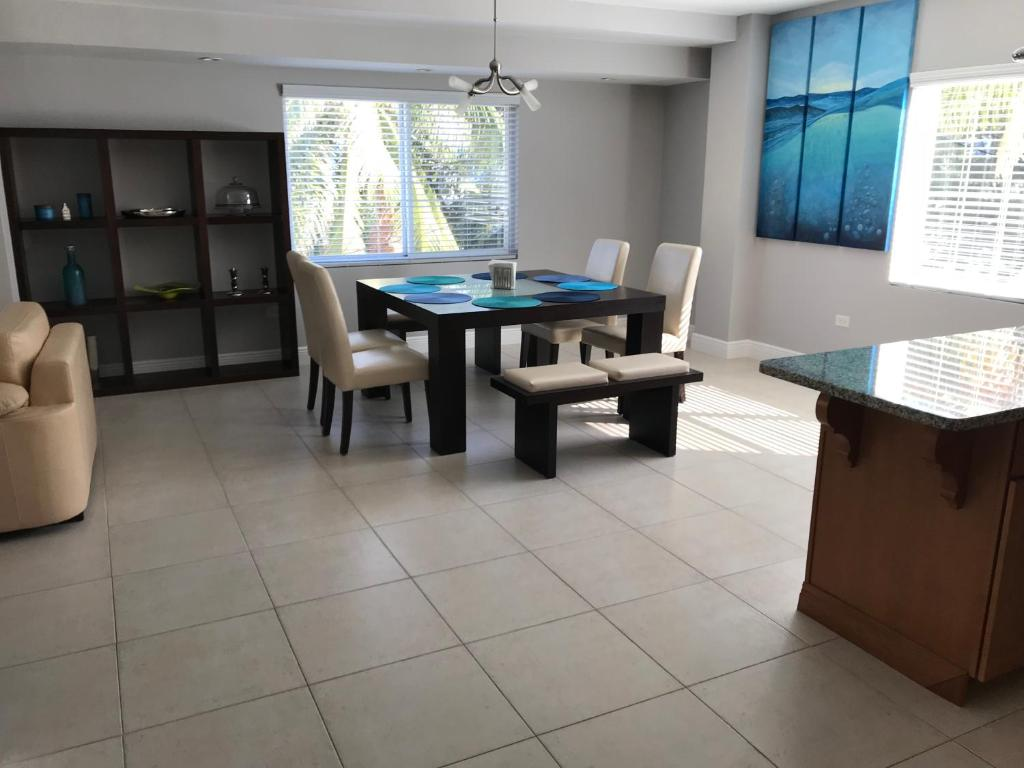 Apartments In George Town Grand Cayman