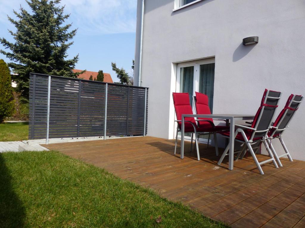 ferienwohnungen flora deutschland bad windsheim. Black Bedroom Furniture Sets. Home Design Ideas