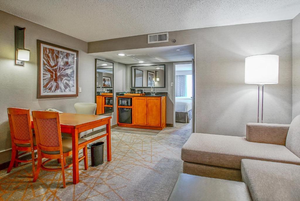 Hotel Embassy Suites S Antonio San Antonio TX Booking Extraordinary 2 Bedroom Suites San Antonio Tx Property