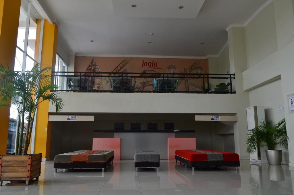 The lobby or reception area at EDU Hostel