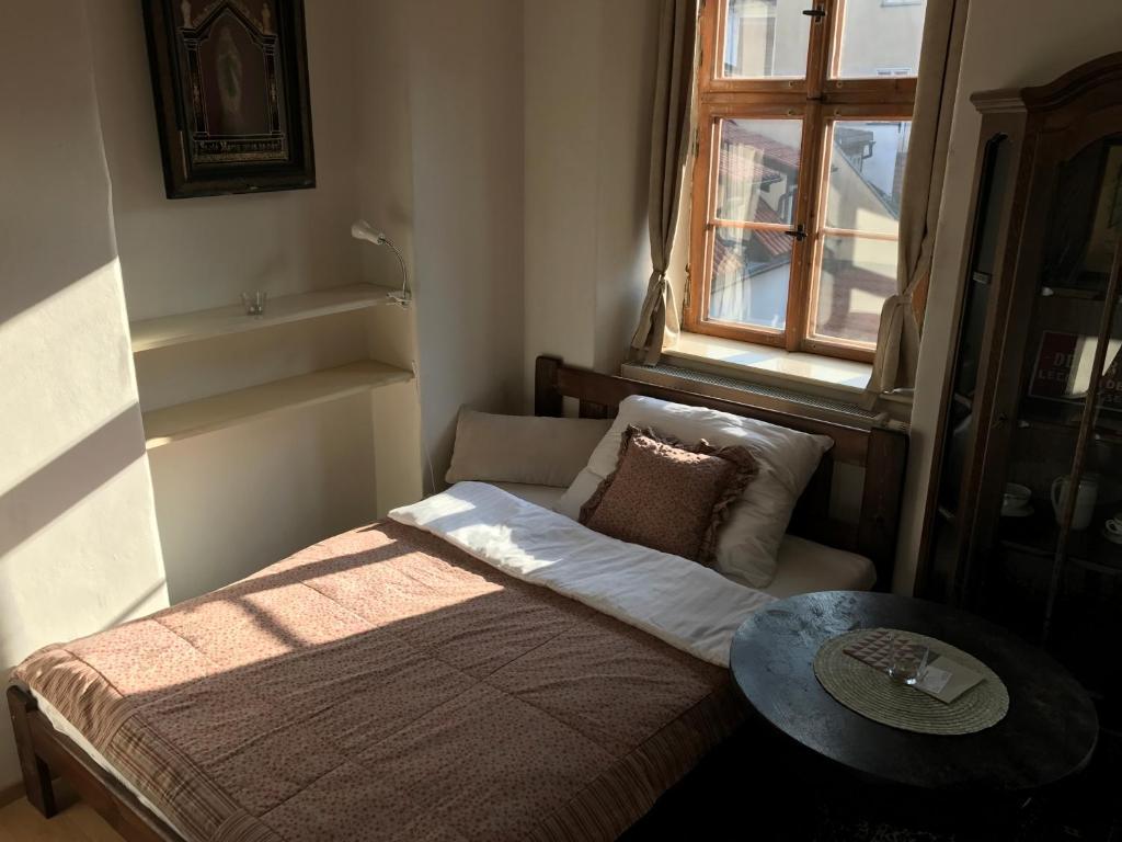 Queen Bee apartments, Prague, Czech Republic - Booking.com