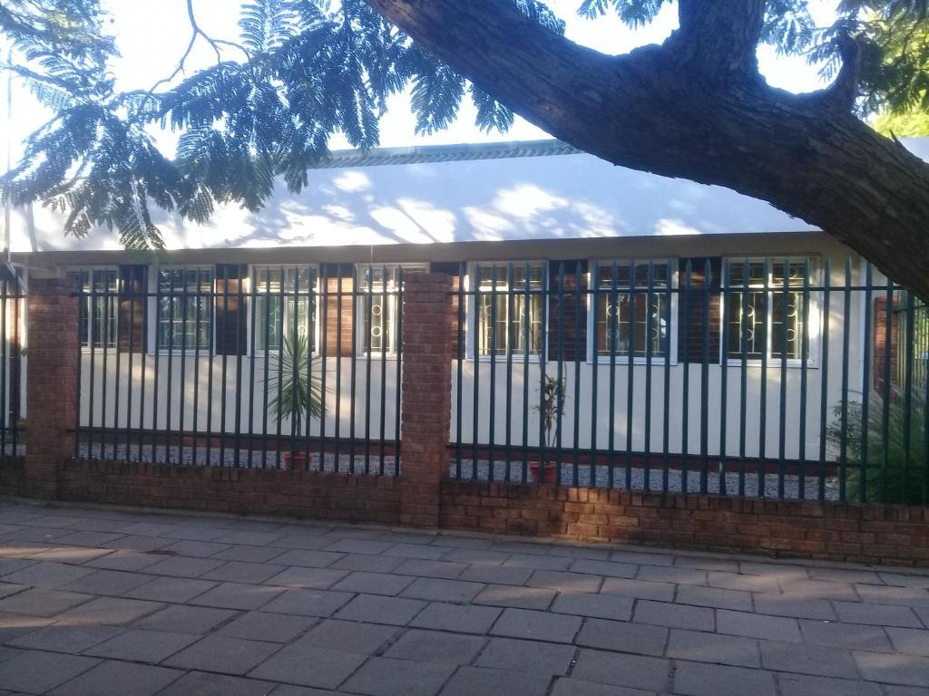 Adults dating classifieds zimbabwe bulawayo pictures