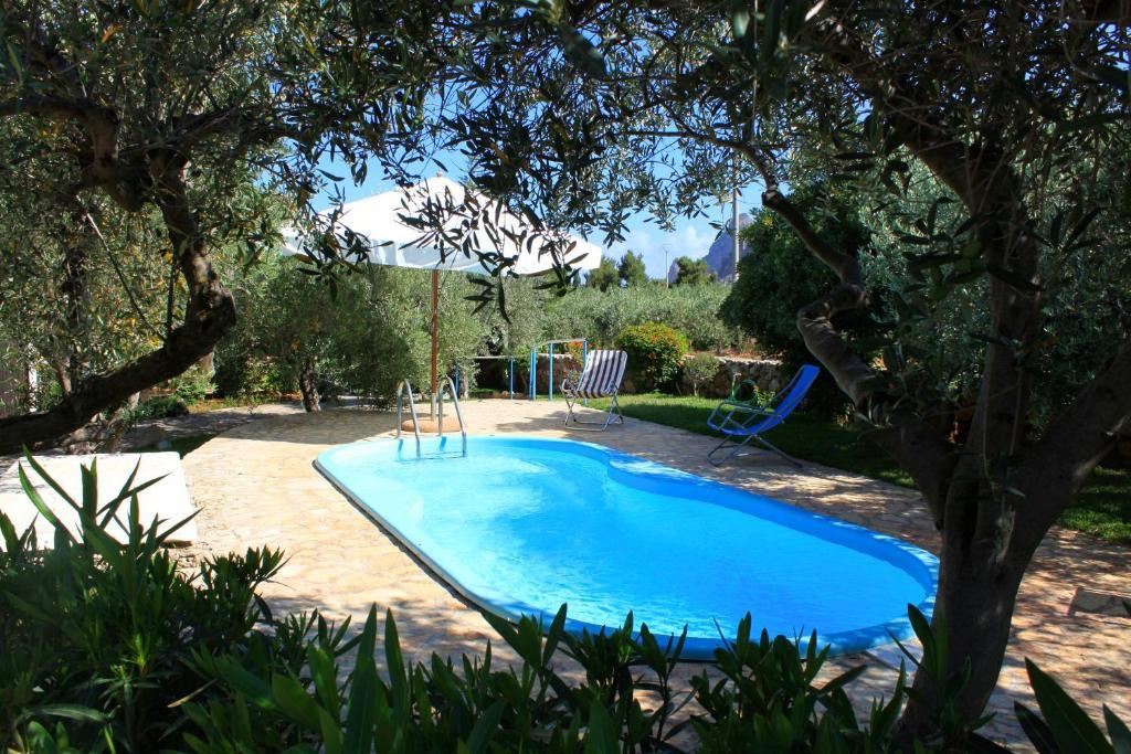 Piscine E Giardini.Villa Con Piscina E Giardino Italija Castelluzzo Booking Com