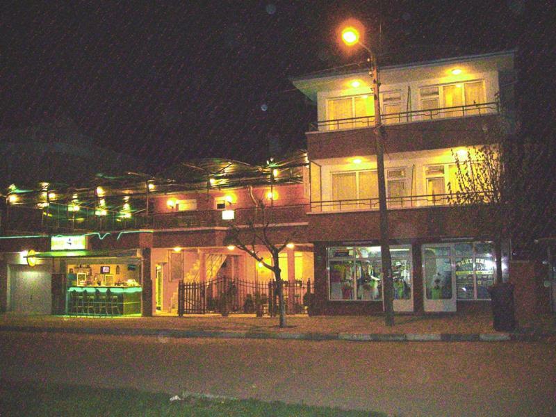 Къща за гости Нели Гости - Равда