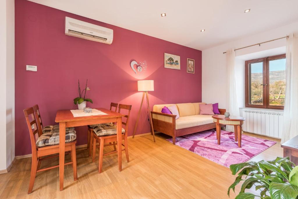 Apartment Kameni raj, Močići, Croatia - Booking.com