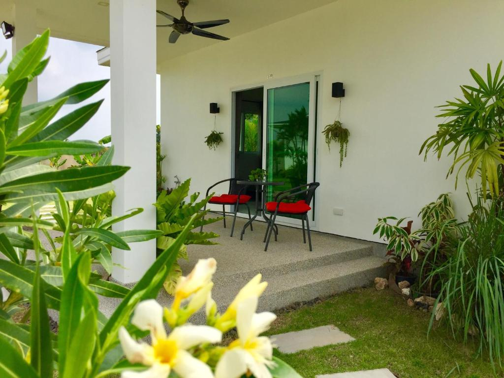 Swiss Bungalow Cha Am, Thailand - Booking.com