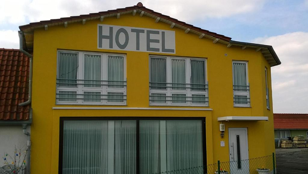 Hotel Route 84 Deutschland Bad Langensalza Booking Com