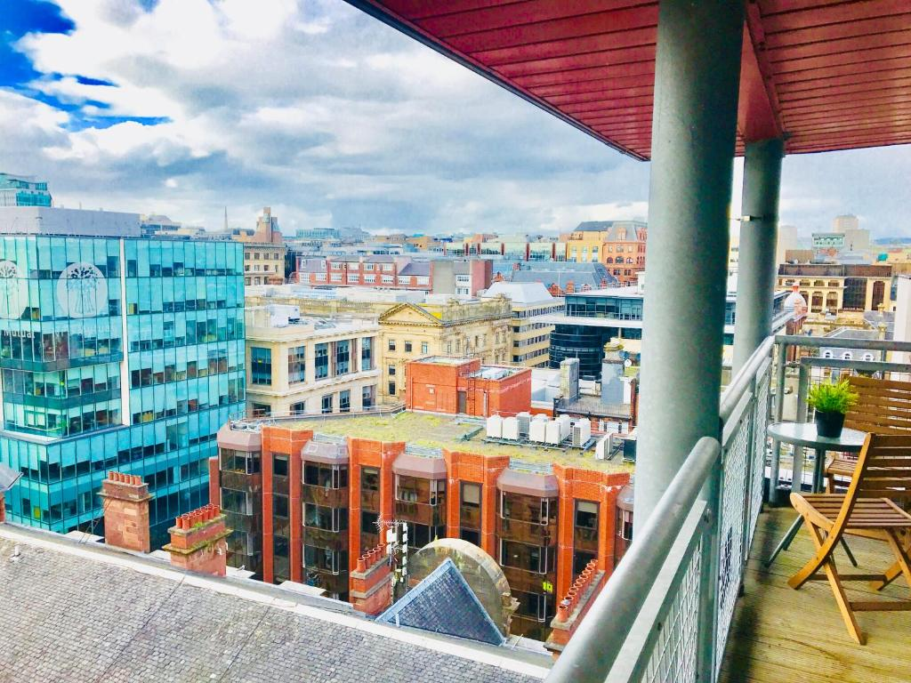 Glasgow Central Station - THE PENTHOUSE - with Parking and Huge ...