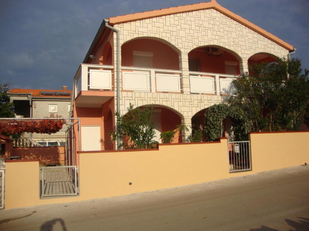 Dana Apartment, Vir, Croatia - Booking.com