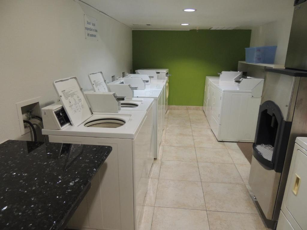 motel studio 6 extended stay, dallas, tx - booking